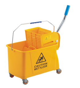 Single cleaning cart on wheels with a 20 – liter press